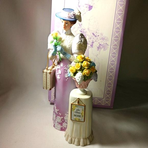 Vintage Avon 2001 Mrs Albee Porcelain Doll Award
